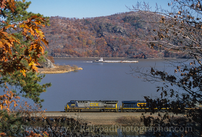 Photo 3781<br /> CSX Transportation; Tompkins Cove, New York<br /> November 2005