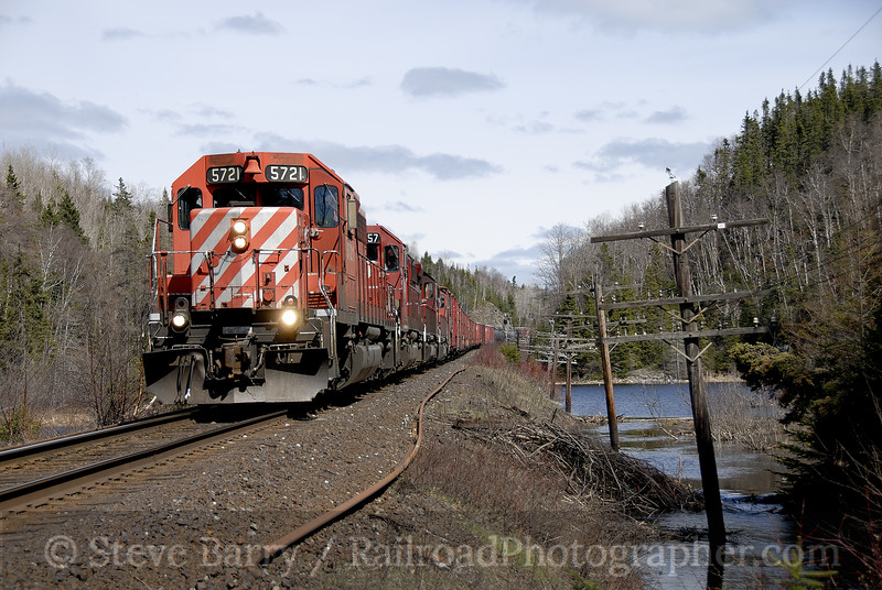 Photo 1175<br /> Canadian Pacific; Steel, Ontario<br /> May 12, 2008
