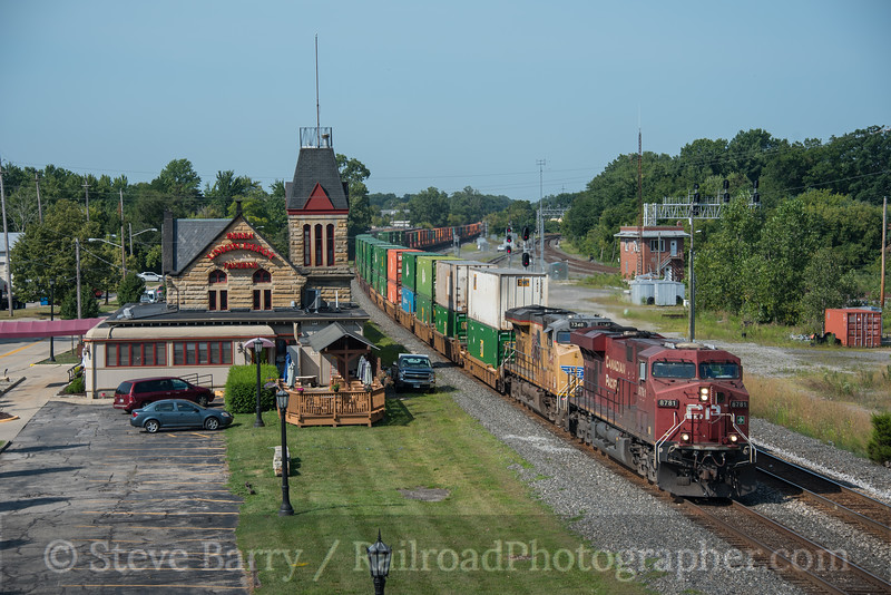 Photo 4276<br /> Canadian Pacific (on CSX)<br /> Berea, Ohio<br /> August 14, 2017