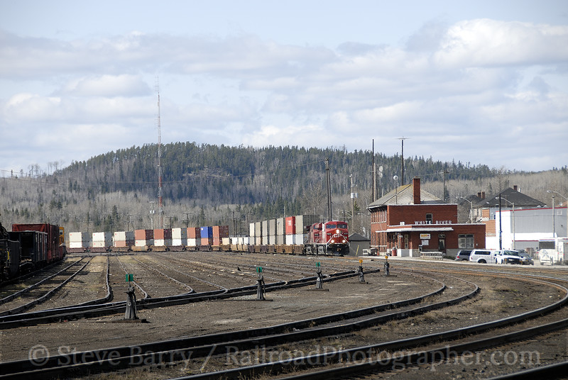 Photo 1172<br /> Canadian Pacific; White River, Ontario<br /> May 8, 2008