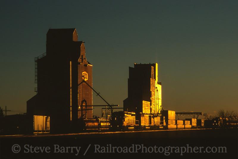 Photo 4855<br /> Canadian Pacific<br /> Herbert, Saskatchewan<br /> September 2000