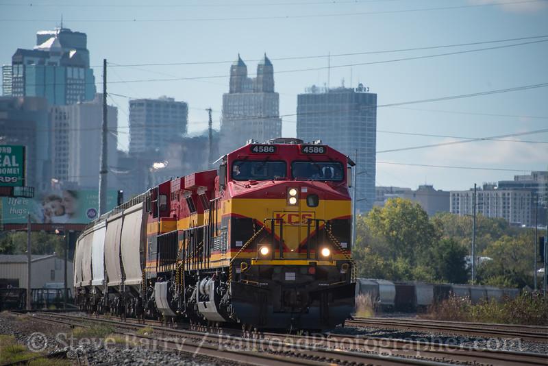 Photo 4369<br /> Kansas City Southern<br /> Kansas City, Missouri<br /> October 15, 2017