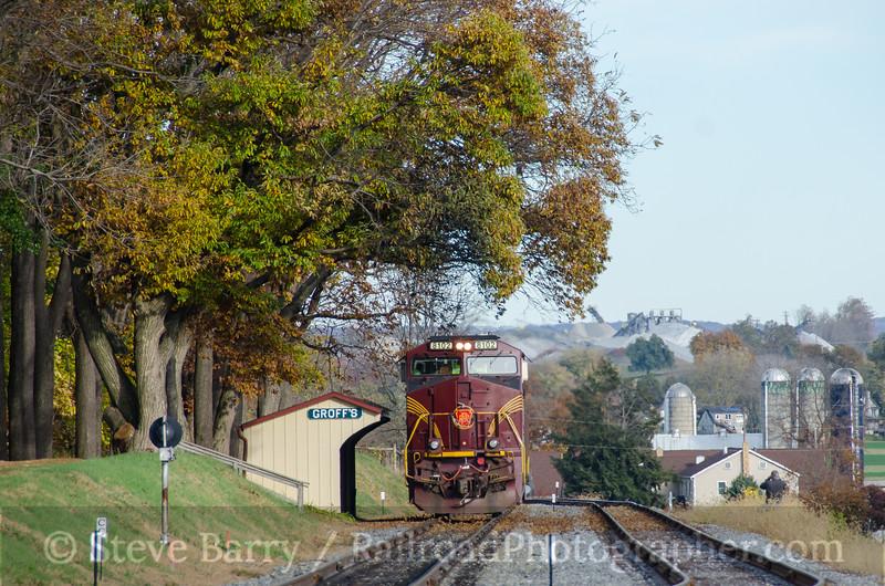 Photo 3996<br /> Norfolk Southern (on Strasburg); Paradise, Pennsylvania<br /> November 6, 2016