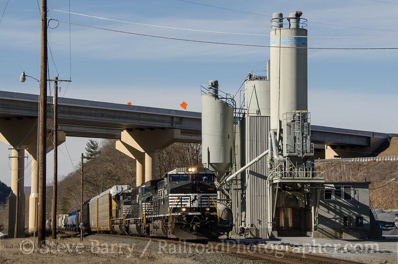 Photo 3290<br /> Norfolk Southern; Parryville, Pennsylvania<br /> January 17, 2015