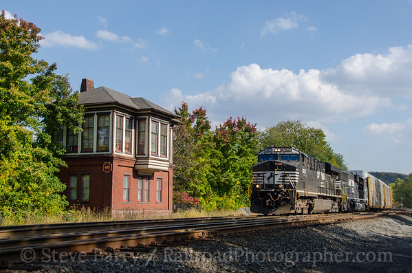 Photo 3983 Norfolk Southern; Huntingdon, Pennsylvania October 19, 2016