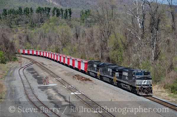 Photo 3749 Norfolk Southern; Rockville, Pennsylvania April 20, 2016