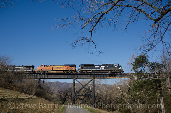 Photo 3259 Norfolk Southern; Shenandoah, Virginia November 21, 2014