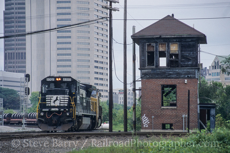 Photo 4207<br /> Norfolk Southern; Scioto Tower, Columbus, Ohio<br /> August 2005