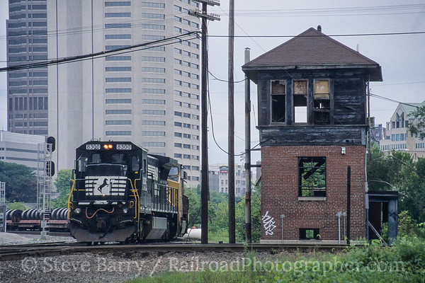 Photo 4207 Norfolk Southern; Scioto Tower, Columbus, Ohio August 2005