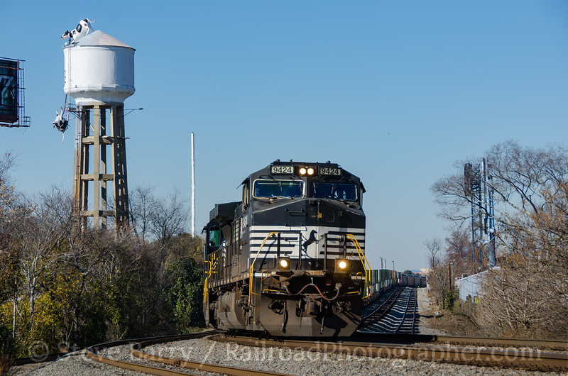 Photo 4014<br /> Norfolk Southern; Henderson, Atlanta, Georgia<br /> December 10, 2016