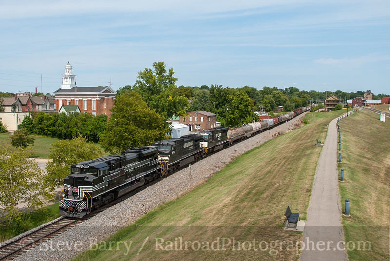 Photo 2428 Norfolk Southern; New Albany, Indiana August 12, 2012