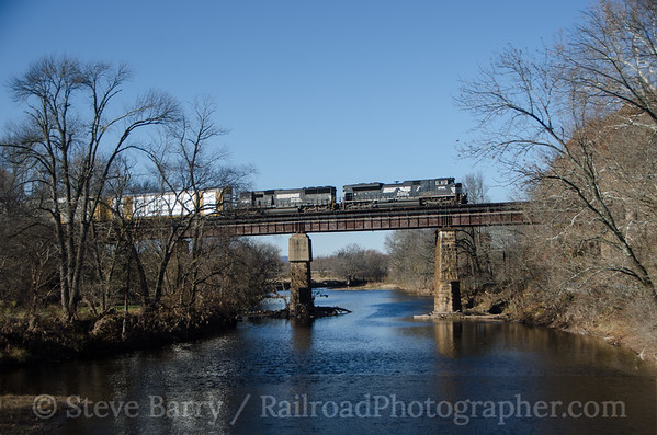 Photo 3258 Norfolk Southern; Neshanic Station, New Jersey November 15, 2014