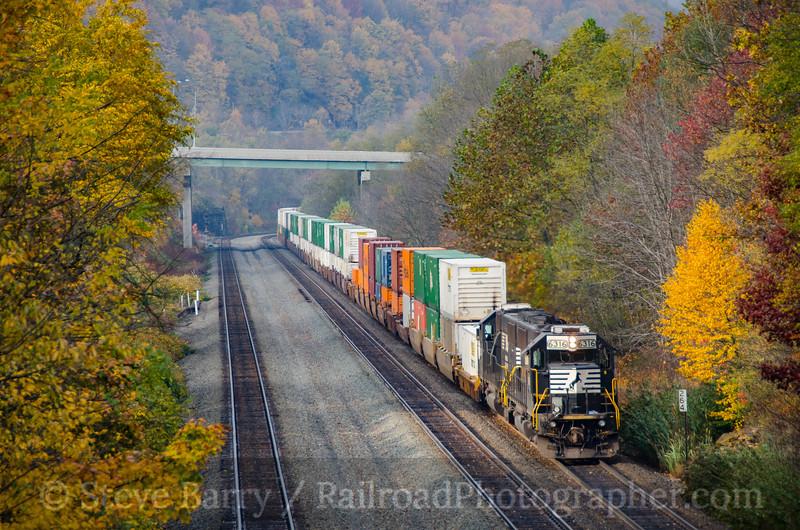 Photo 3980<br /> Norfolk Southern; Summerhill, Pennsylvania<br /> October 19, 2016