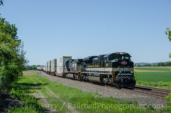 Photo 3421 Norfolk Southern; Shamrock Station, Pennsylvania May 23, 2015