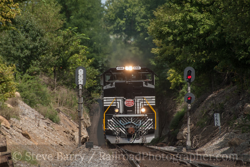 Photo 2429 Norfolk Southern; Maplewood, Indiana August 12, 2012