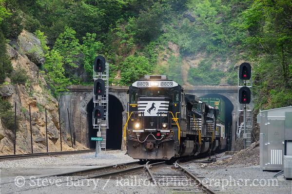 Photo 3764 Norfolk Southern; Montgomery Tunnel, Christiansburg, Virginia May 8, 2016
