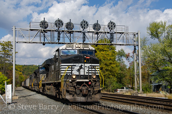 Photo 3982 Norfolk Southern; Fostoria, Pennsylvania October 19, 2016