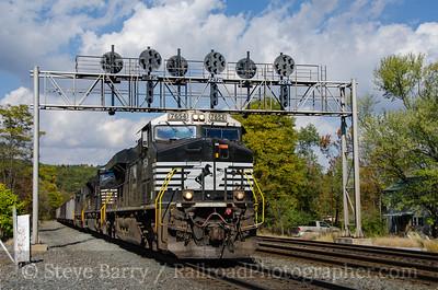 Photo 3982 Norfolk Southern; Fostoria, Pennsylvania October 19, 2016