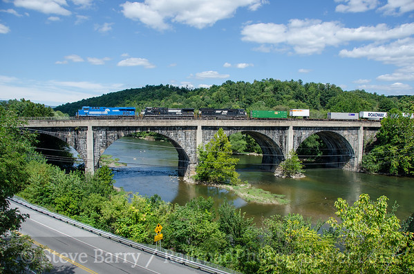 Photo 3465 Norfolk Southern; Mount Union, Pennsylvania August 22, 2015