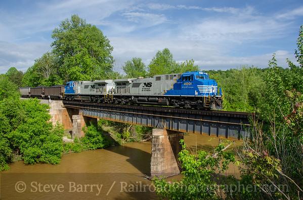 Photo 3757 Norfolk Southern; Mayo River, Stoneville, North Carolina May 6, 2016