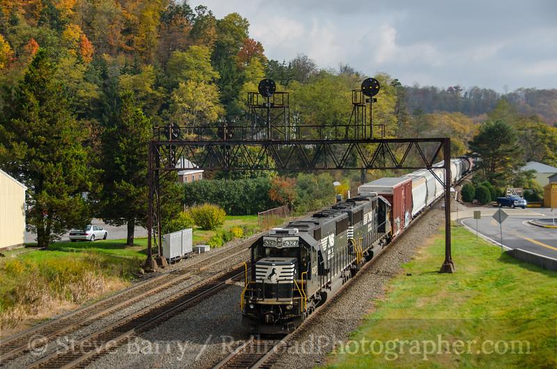 Photo 3981<br /> Norfolk Southern; Summerhill, Pennsylvania<br /> October 19, 2016
