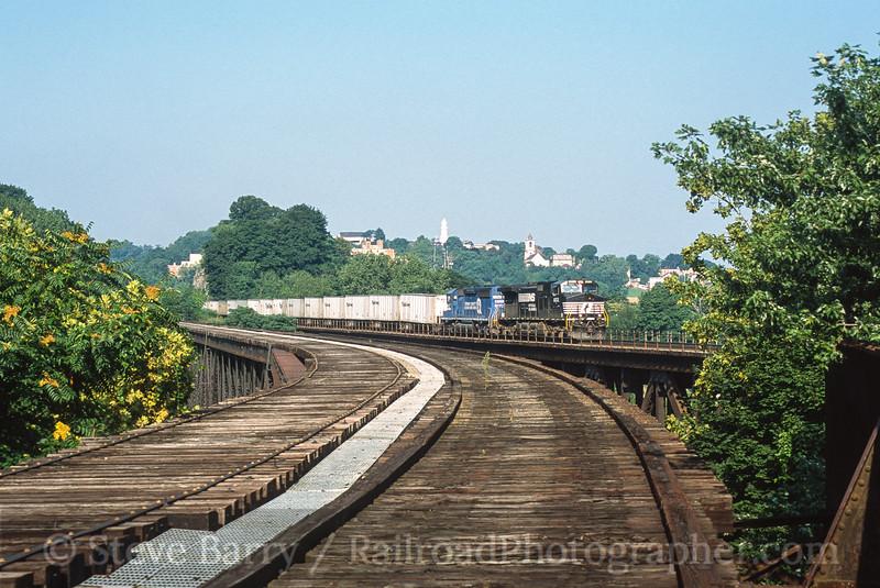 Photo 3582<br /> Norfolk Southern; Phillipsburg, New Jersey<br /> August 2001