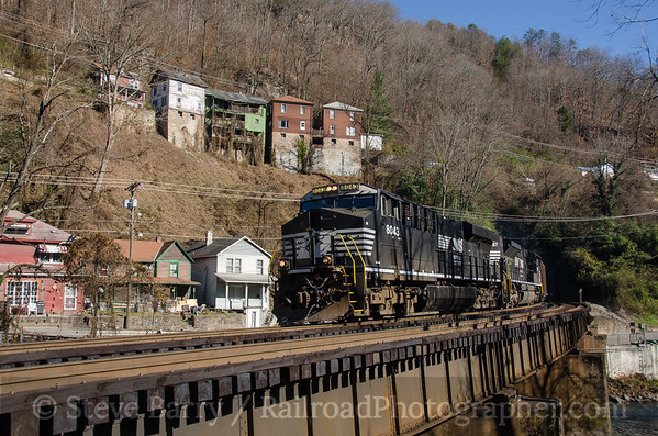 Photo 3610 Norfolk Southern; Welch, West Virginia November 23, 2015