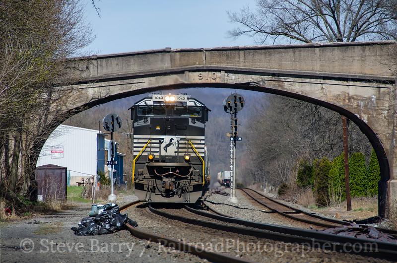 Photo 4060<br /> Norfolk Southern; Port Royal, Pennsylvania<br /> April 8, 2017