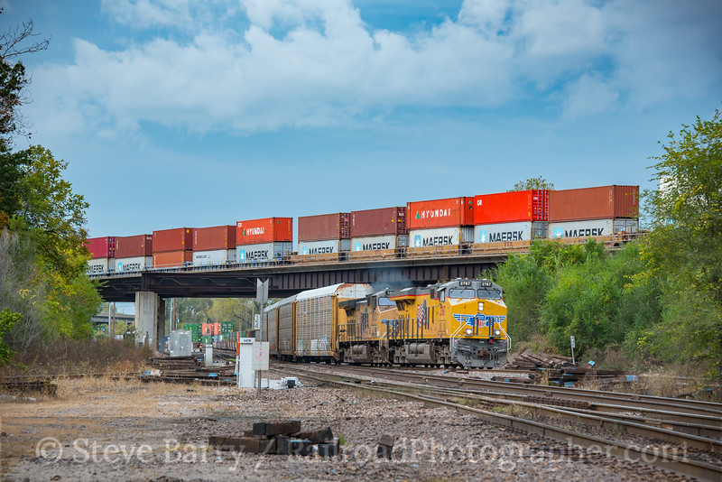 Photo 4367<br /> Union Pacific<br /> Rock Creek Junction, Independence, Missouri<br /> October 14, 2017