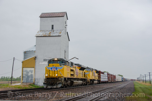 Photo 3418 Union Pacific; Brule, Nebraska May 22, 2015