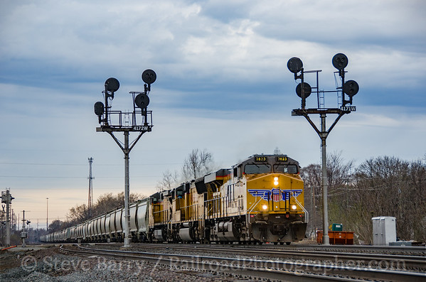 Photo 3371 Union Pacific (on Norfolk Southern); Dunlap, Indiana April 13, 2015