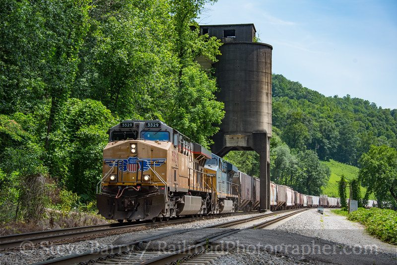 Photo 4237<br /> Union Pacific (on CSX); Chaska, Tennessee<br /> June 18, 2017
