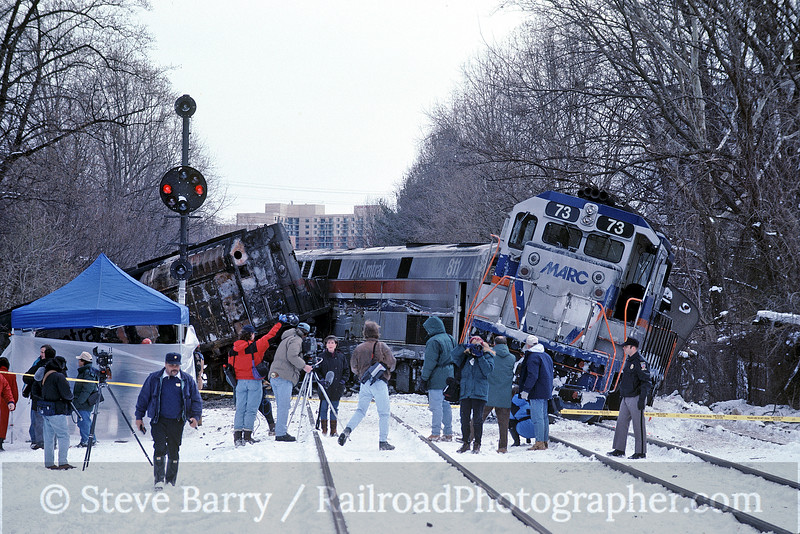Photo 0302<br /> MARC and Amtrak; Silver Spring, Maryland<br /> February 17, 1996