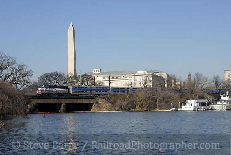 Photo 1078<br /> Virginia Railway Express; Washington, D.C.<br /> December 31, 2007