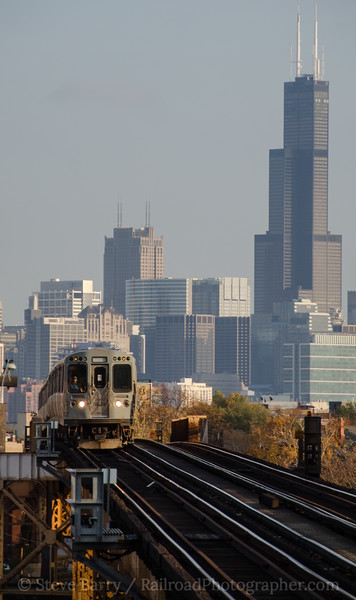 Photo 2480<br /> Chicago Transit Authority; Western Avenue, Chicago, Illinois<br /> October 24, 2012