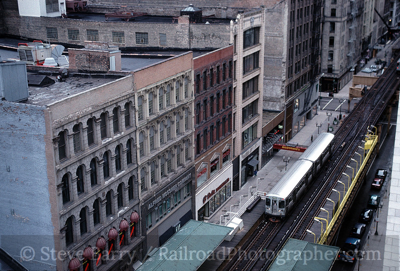 Photo 0117<br /> Chicago Transit Authority; The Loop, Chicago, Illinois<br /> October 21, 1995