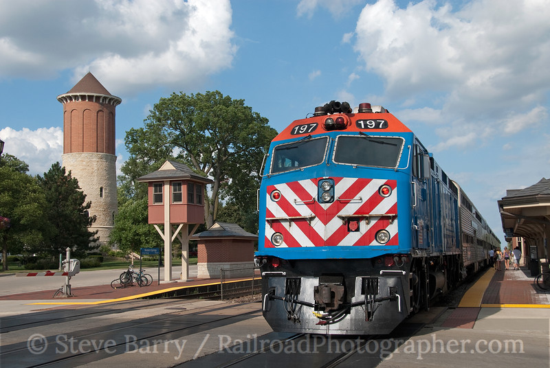 Photo 1907<br /> Metra; Western Springs, Illinois<br /> July 18, 2010
