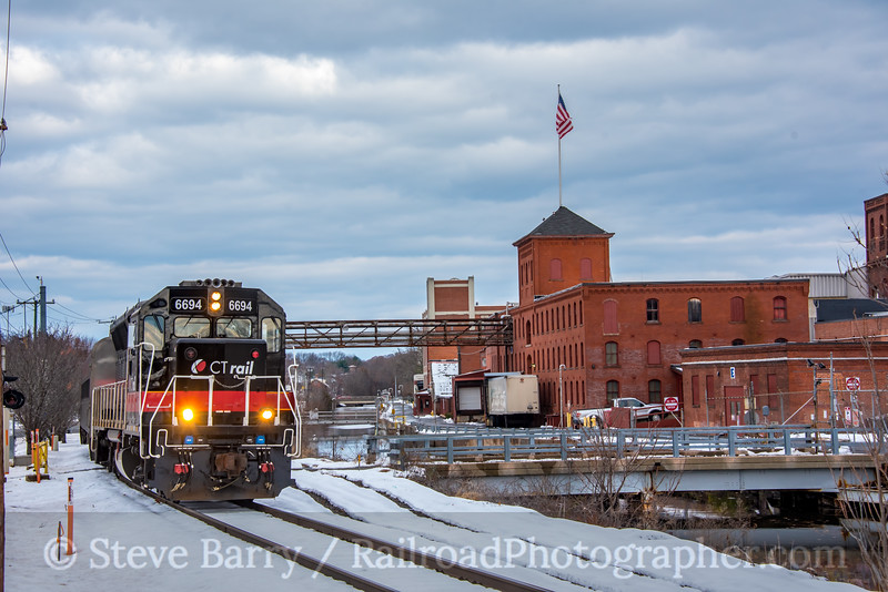 Photo 5384<br /> Hartford Line<br /> Windsor Locks, Connecticut<br /> November 17, 2018