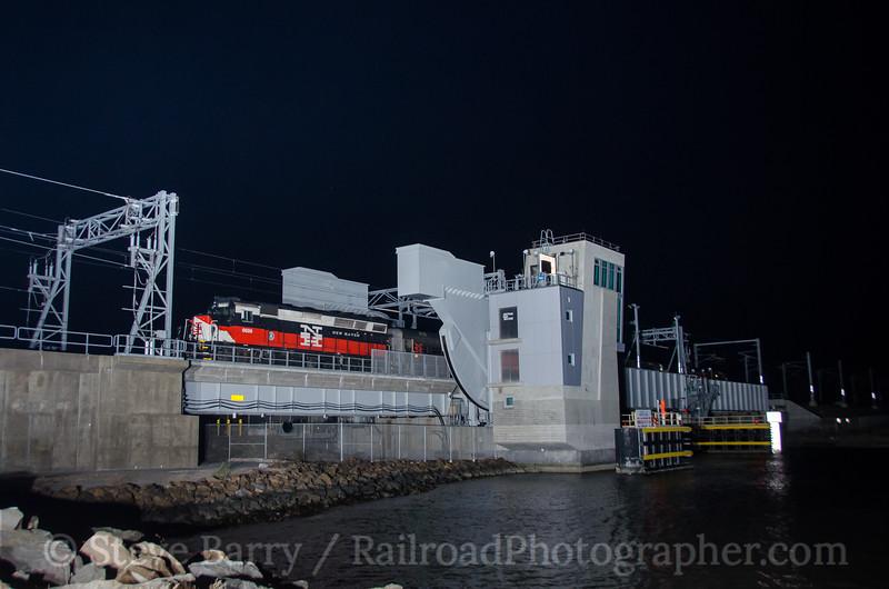 Photo 3986<br /> Shore Line East; Niantic, Connecticut<br /> October 28, 2016