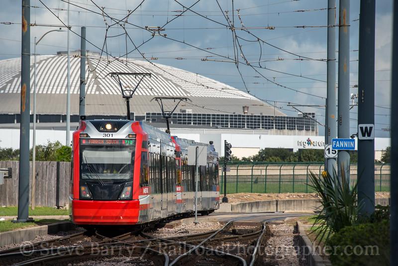 Photo 5266<br /> MetroRail<br /> Fannin South, Houston, Texas<br /> October 8, 2018