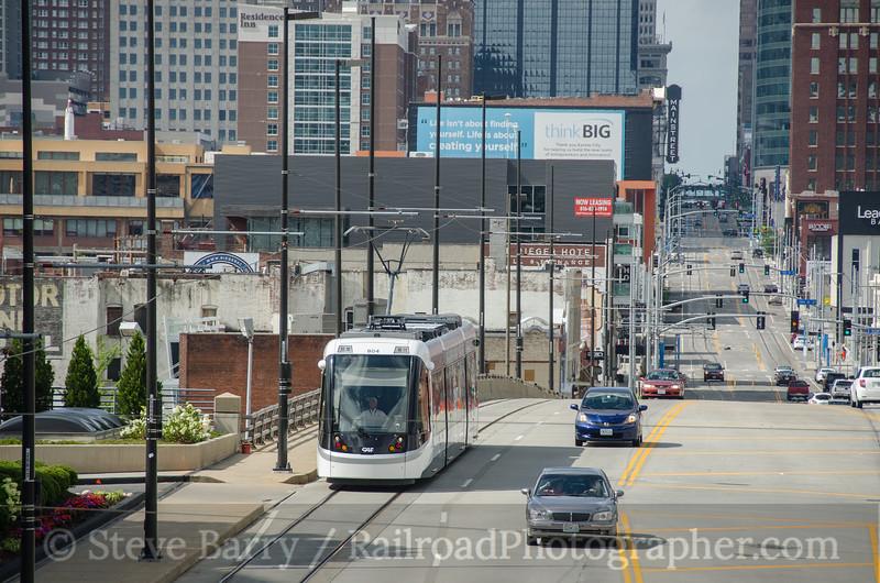 Photo 3826<br /> KC Streetcar; Kansas City, Missouri<br /> July 4, 2016