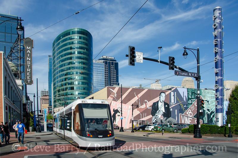 Photo 3970<br /> KC Streetcar; Power & Light District, Kansas City, Missouri<br /> October 16, 2016