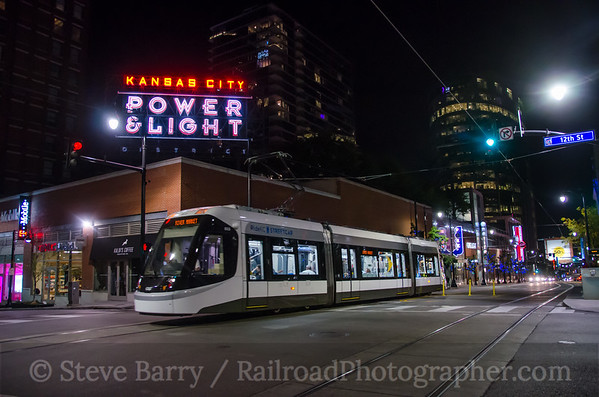 Photo 3972 KC Streetcar; Power & Light District, Kansas City, Missouri October 16, 2016