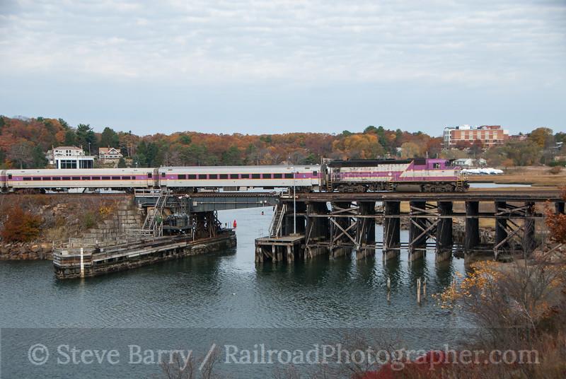 Photo 3250<br /> Massachusetts Bay Transportation Authority; Gloucester, Massachusetts<br /> November 9, 2014