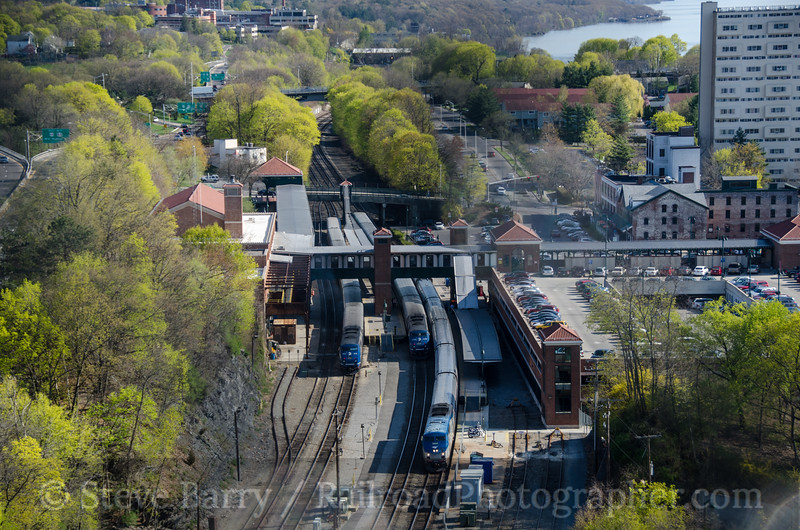 Photo 2673<br /> Metro-North and Amtrak; Poughkeepsie, New York<br /> April 27, 2013