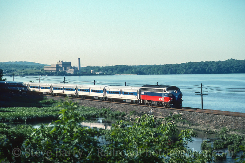 Photo 3614<br /> Metro North; Peekskill, New York<br /> June 5, 1997
