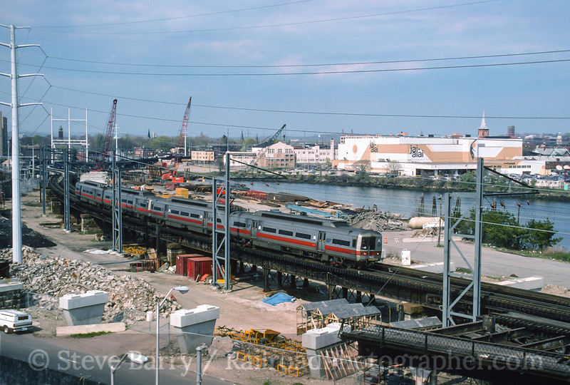 Photo 3580<br /> Metro North; Bridgeport, Connecticut<br /> April 29, 1995