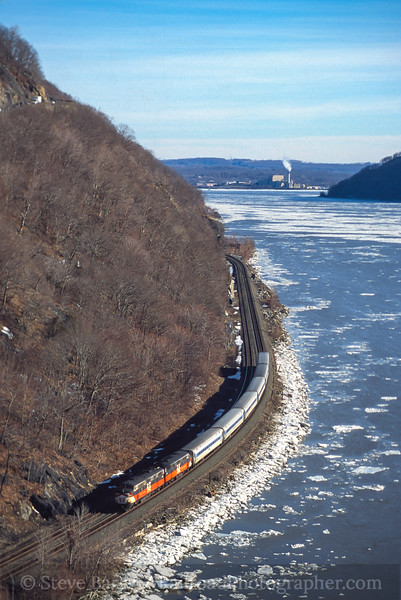 Photo 5075<br /> Metro North<br /> Anthony's Nose, Manitou, New York<br /> February 2000
