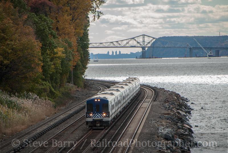 Photo 3241<br /> Metro North; Scarborough, New York<br /> October 26, 2014