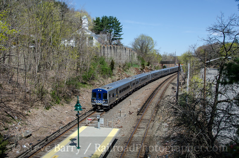 Photo 2670<br /> Metro-North; Mount Kisco, New York<br /> April 21, 2013